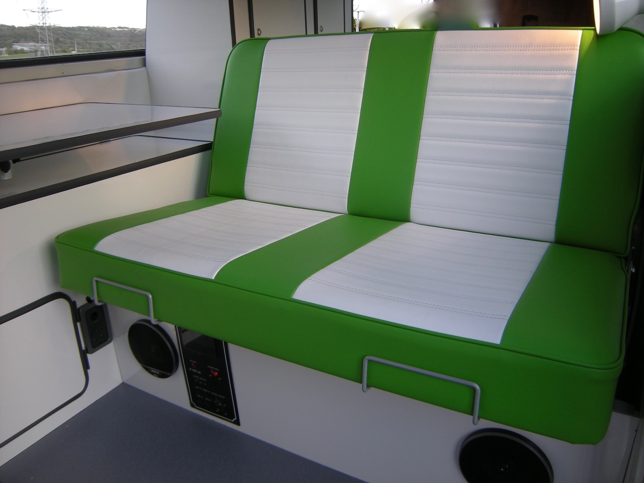 vw t2 rock and roll bed